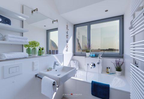 Ferienhaus UTKIEK Heiligenhafen - Badezimmer OG mit Ausblick